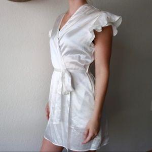 Oscar De La Renta White Robe Dress
